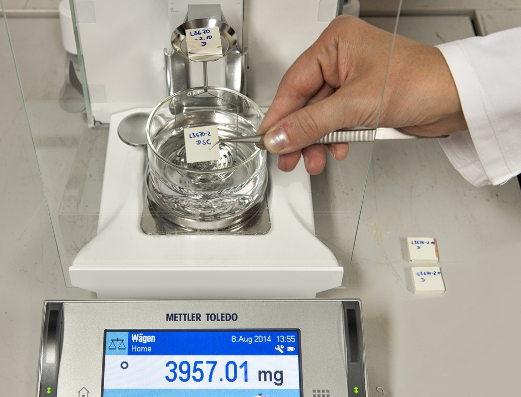 determination of density Density determination kit for determining density of solids and liquids is designed for cooperation with laboratory balances.