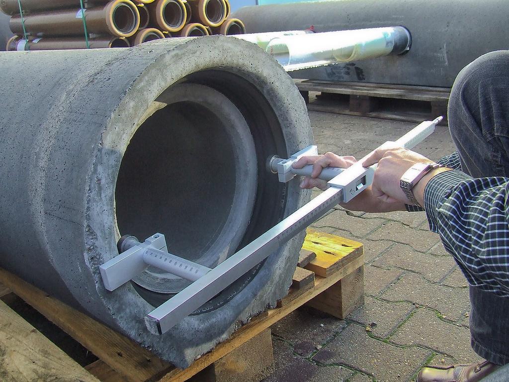 Precast Concrete Pipes : Concrete component and method tests